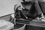 Большая часть компьютерного оборудования в Лэйксайдской школе была куплена на средства вырученные от столь популярных в Америке дворовых распродаж (ненужных вещей) организованной матерями учеников.  Гейтса всецело привлекли к их настройке и программированию и даже освободили от занятий по математике из за этого, что ему конечно пришлось очень по душе.